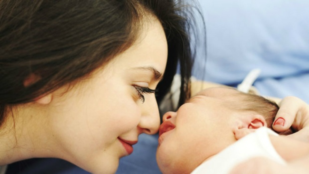 Дочери женщин, рожавших после 30 лет, могут страдать от депрессии