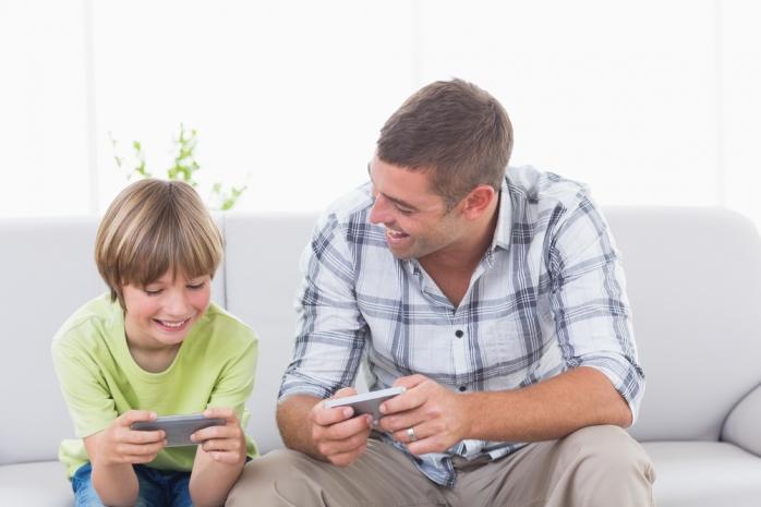 Детям до 10 лет противопоказаны смартфоны