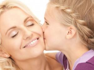 Дочери работающих матерей имеют больший успех в семье и карьере