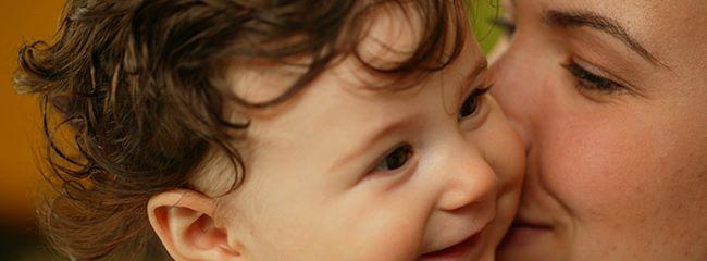 3 способа, как успокоить плачущего недоношенного малыша