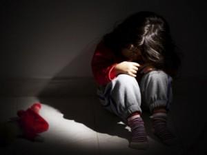 Жесткое обращение в детстве может привести к негативным последствиям у пациентов с биполярным расстройством