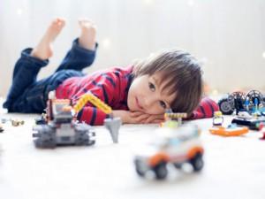 10 простых развивающих игрушек на вес золота