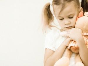 Кризисы в детском развитии: определить и пережить