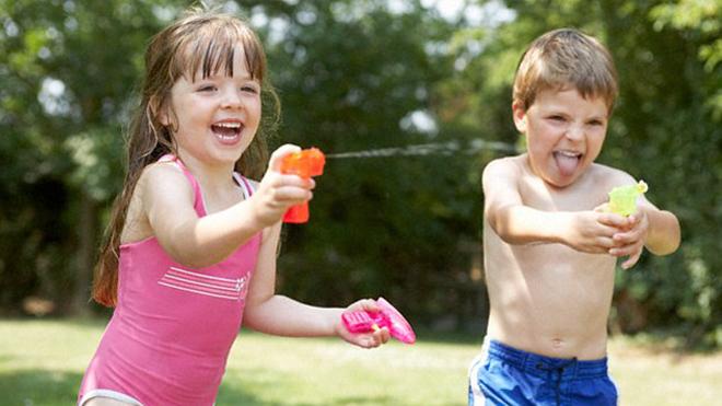 Наличие братьев и сестер защищает от ожирения