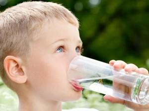 Дети пьют только 25% от рекомендуемой нормы воды