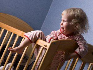 Причины ночных пробуждений новорожденных