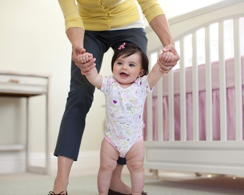 Медики: дети, рано начавшие ходить, имеют более крепкие кости