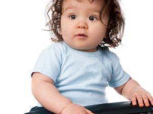 Как придумать развивающую игрушку для маленького ребенка?