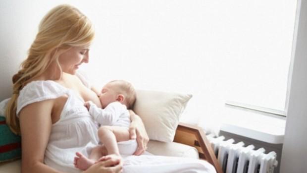 Грудное вскармливание защищает от детей ожирения