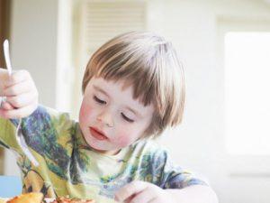 Первые признаки болезни Альцгеймера могут быть обнаружены у трехлетних детей
