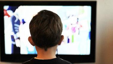 Биологи: телевизор разрушает кости детей