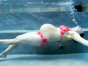 Модный эксперимент: хожу на аквафитнес для беременных