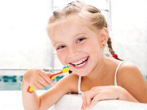 Нужно ли лечить молочные зубки