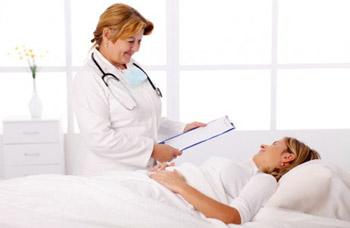 Что происходит в первые два часа после родов?