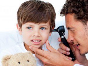 Острый отит среднего уха чаще всего возникает у детей