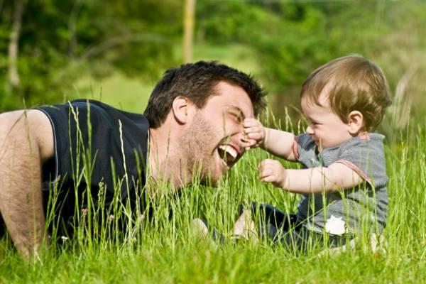 Образованные родители проводят больше времени с детьми, показало исследование
