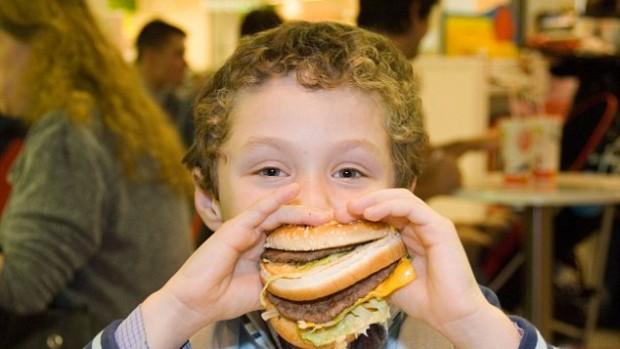 Американские дети потребляют чрезмерное количество соли