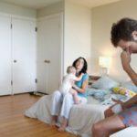 Доказано: постродовая депрессия у отца - реальность, а не миф
