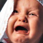 Почему плачет грудной ребенок