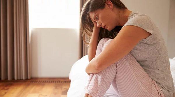 Послеродовая депрессия: симптомы, лечение