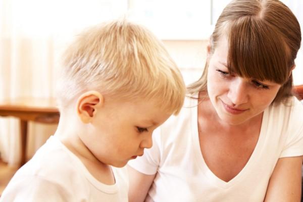 Почему ребенок не разговаривает