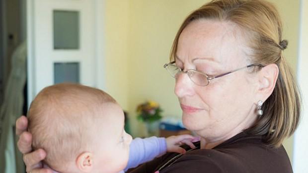 Пожилые матери в 10 раз чаще оказываются в реанимации