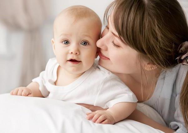 Сон ребенка в 9 месяцев: нормы, возможные проблемы