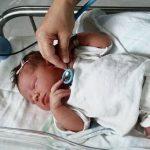 Причины образования гематомы у новорожденных на голове, лечение и прогноз