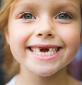 Как убедить ребенка чистить зубы?