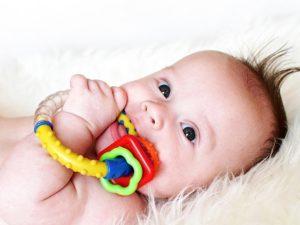 Прорезыватели для деток: зачем и почему?