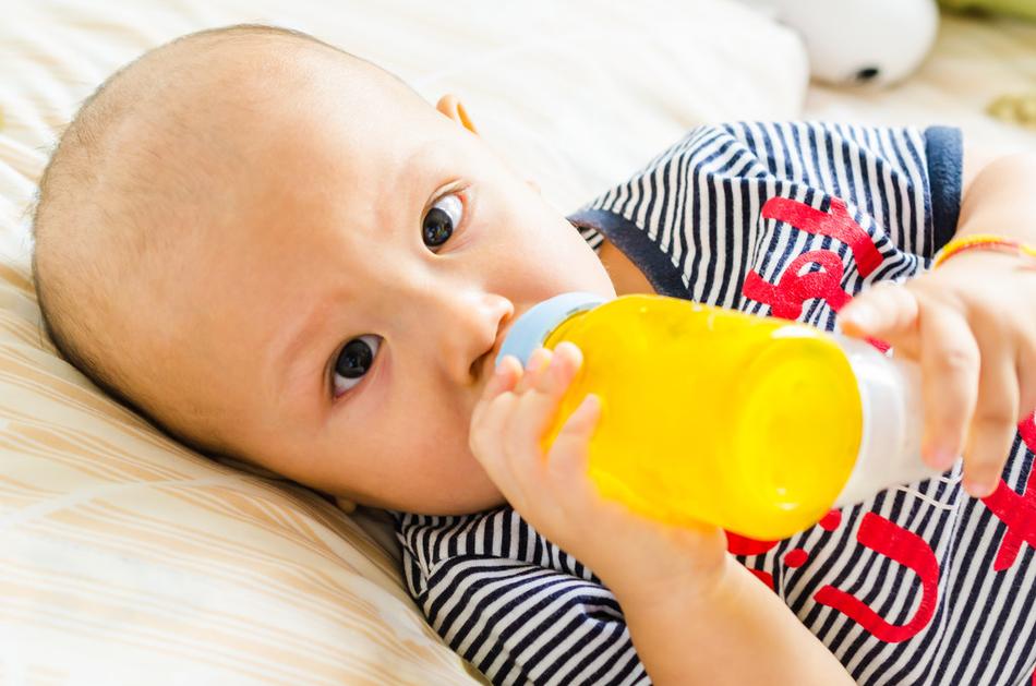 «За маму, за папу»: кормим ребенка правильно