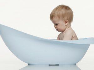 Интимная гигиена малыша: как правильно подмывать мальчика?