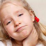 Болит горло у ребенка - чем лечить?