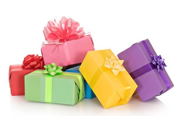 Как выбрать подарок женщине