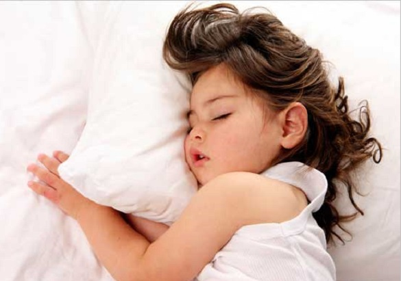 Детские разговоры во сне: когда бить тревогу