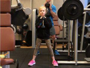 Стоит ли брать детей с собой в тренажерный зал?