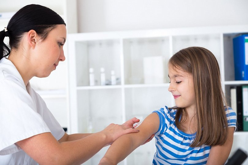 Рак шейки матки и вакцинация у девочек : шаг в здоровое будущее