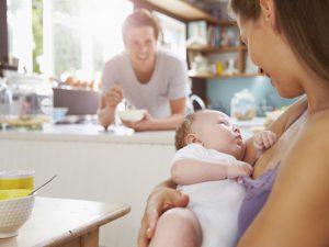 Кормила грудью, заболела, пришлось дать сыну смесь