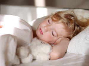 Отит у ребенка: причины, симптомы и лечение