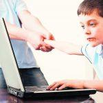 Интернет-зависимость с ранних лет? Как избавить ребенка от пылких объятий компьютера