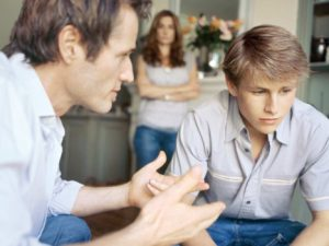Что делать, если ребенок попал в плохую компанию?