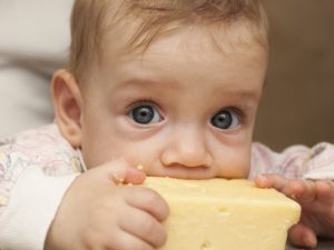 Рабочий график матери может повлиять на сон ребенка