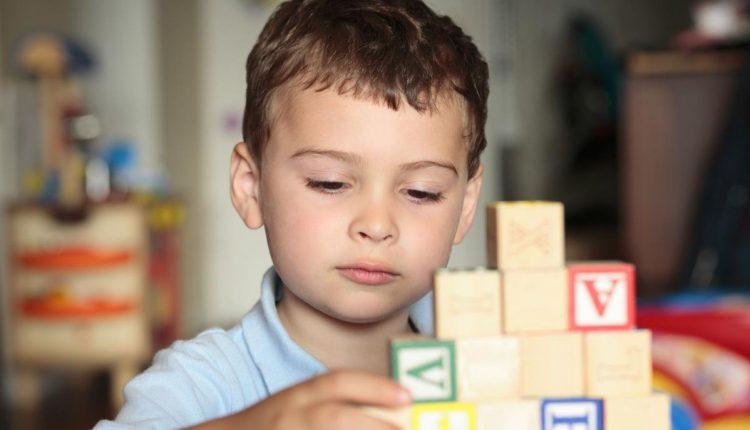 Особый ребенок — детский аутизм и его признаки