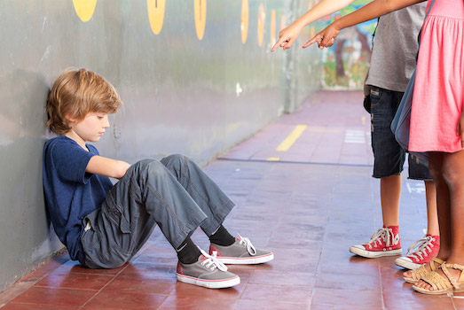 Что делать, если над вашим ребенком издеваются в школе?