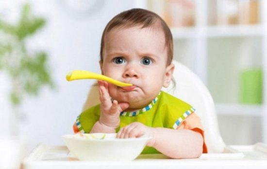 Как научить малыша жевать?