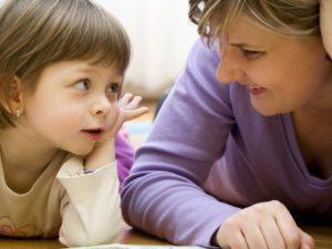 Психологи рассказали, как лучше разговаривать с дошкольниками