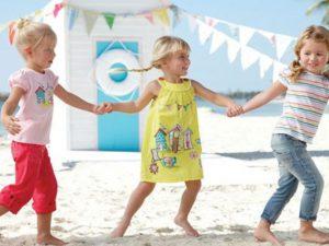 На что нужно обращать внимание при покупке летней детской одежды?