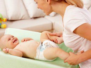 Польза памперсов для мальчиков и девочек: правила безопасного использования