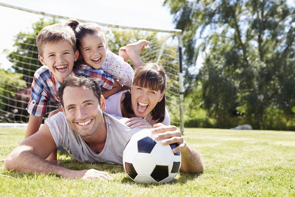 Спортивная семья: польза и виды совместных фитнес-тренировок