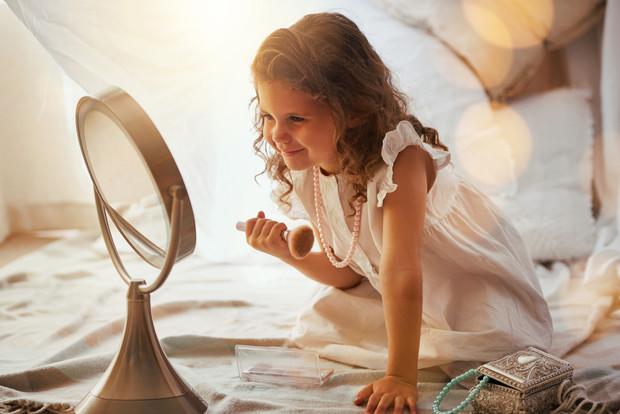 Что делать, если ребенок комплексует из-за внешности
